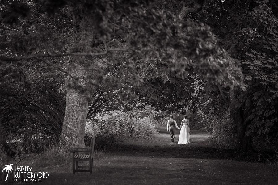 Sussex documentary wedding photographer (3)