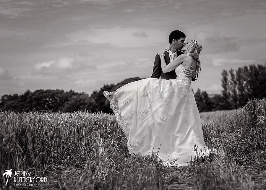 Sussex documentary wedding photographer (22)