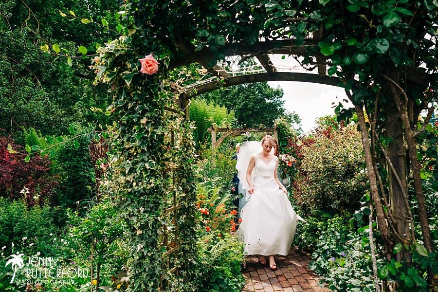 Bartholomew Barn Wedding_0008