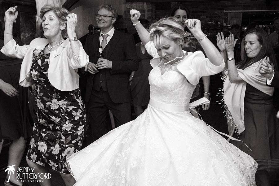 Long Furlong Barn Wedding_1116