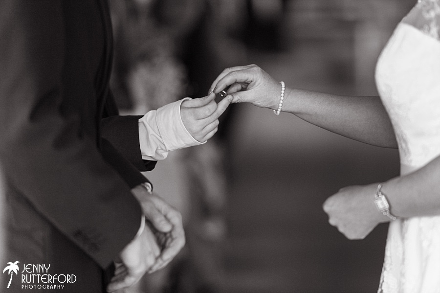 Sussex documentary wedding photographer (17)