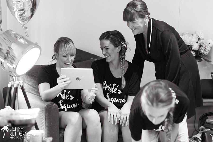 Sussex documentary wedding photographer (34)