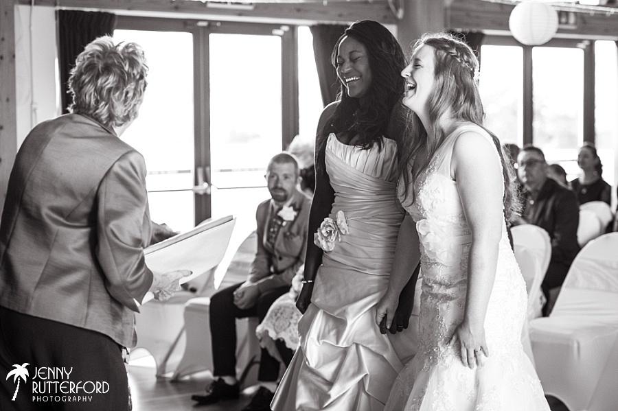 Sussex documentary wedding photographer (29)